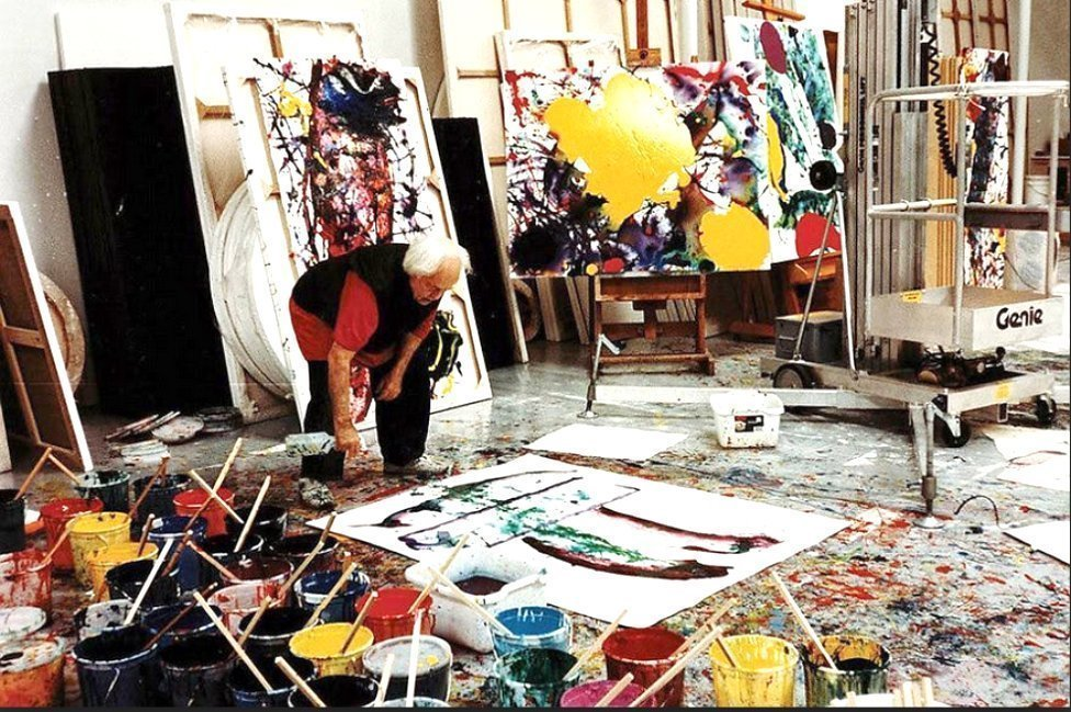 Sam Francis, painter in his studio in paintersTubesmagazine